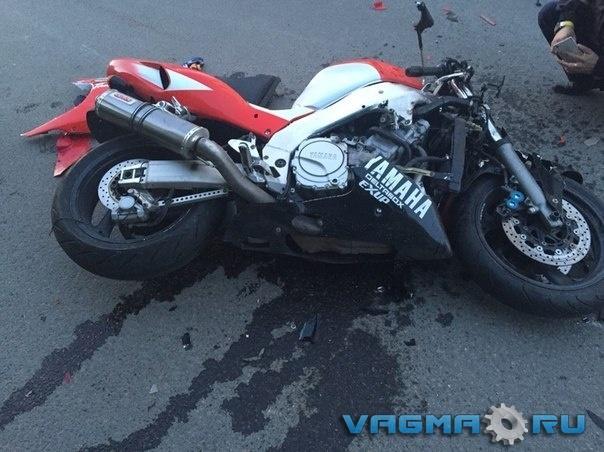 004 разбитый мотоцикл.jpg
