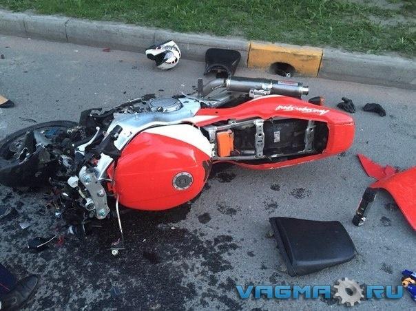 003 разбитый мотоцикл.jpg